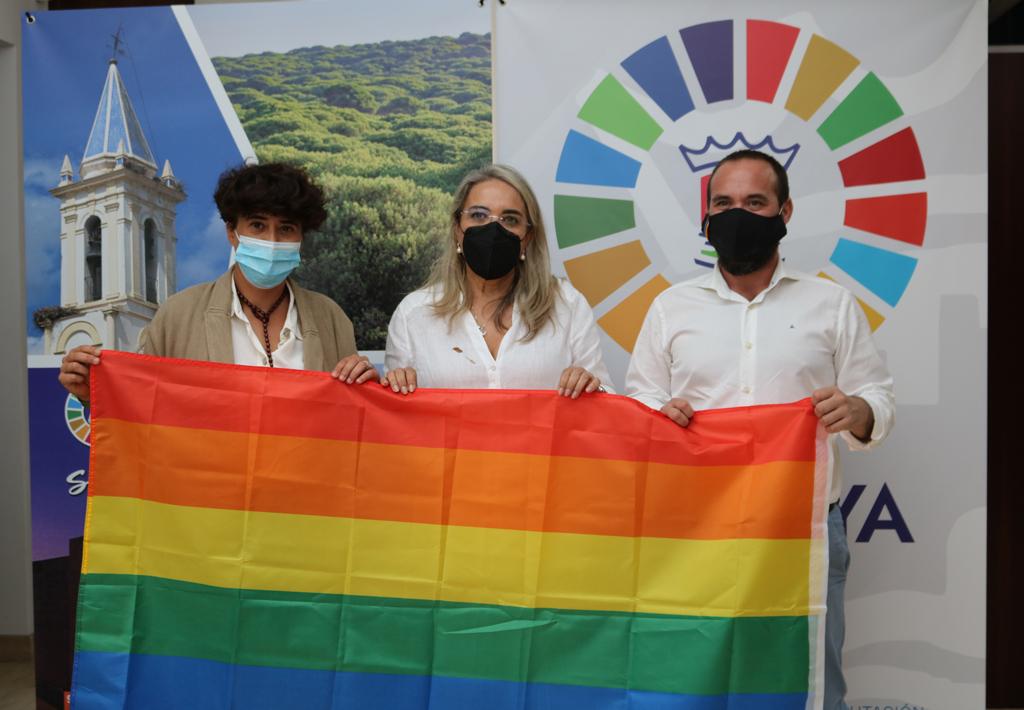 Cartaya se suma a la Red de Municipios Orgullosos y anuncia acciones para favorecer la inclusión del colectivo LGTBIQ+