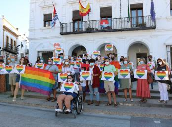 Cartaya se concentra contra los delitos de odio y la LGTBIfobia