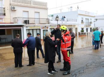 Los Servicios Municipales y de Emergencias trabajan en Cartaya intensamente para restablecer la normalidad
